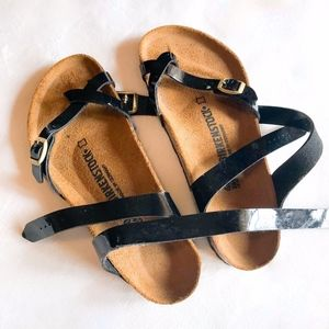 Birkenstock | Yara black patent leather sandal